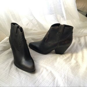 Frye boots size 7.5 M